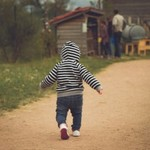 歩く 赤ちゃん いつ