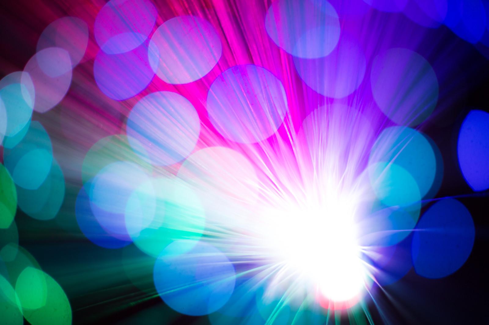 目の錯覚画像!「色が変わるドレス」など脳を刺激する錯視まとめ