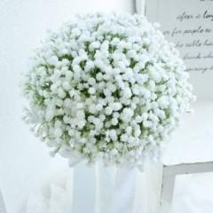 カスミソウ花束の花言葉が素敵 白 青など色によって違う 大人