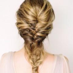 結婚式にポニーテールはマナー違反?お呼ばれの髪型やヘア