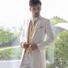 8fd9a0ed8f08e 結婚式のタキシード!新郎に着てもらいたい人気の色・ブランド