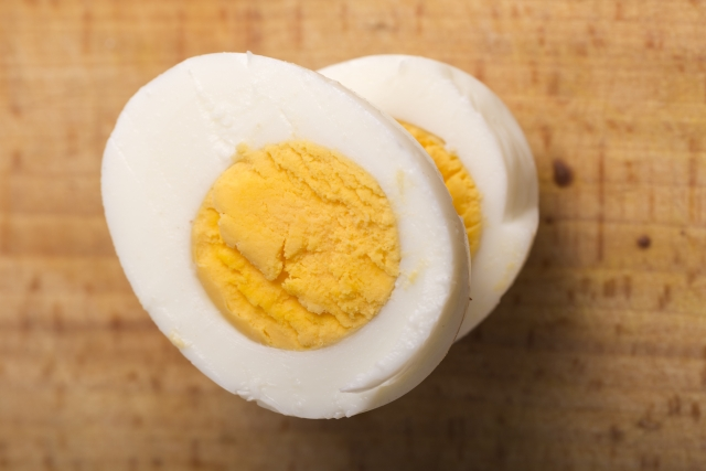 ゆで 卵 カロリー 一個